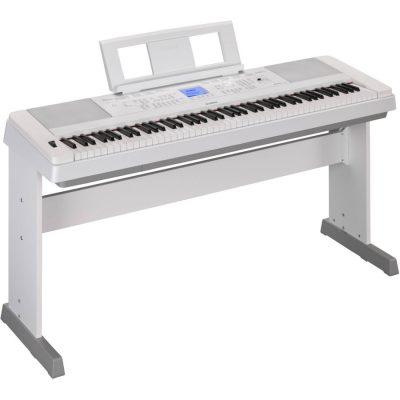 Yamaha DGX660 white